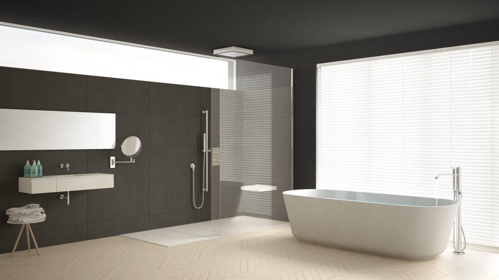 Douche à l'italienne dans une salle de bain sobre et minimaliste